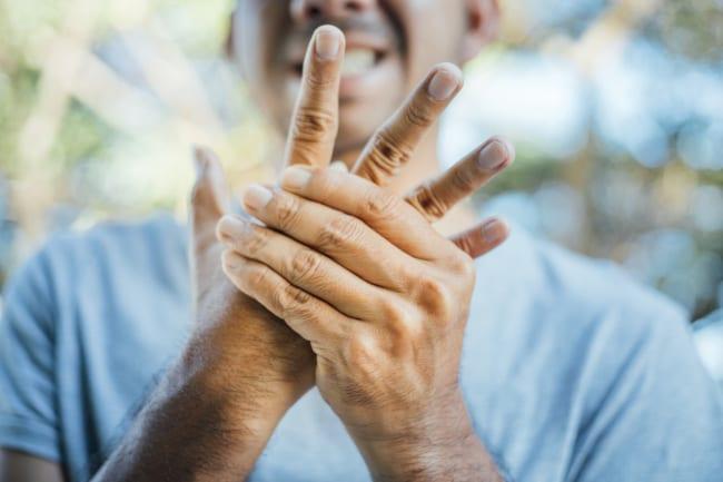 How to Decide if You Should Seek Neuropathy Treatment